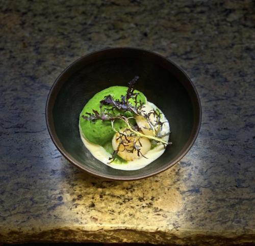 Noix de Saint Jacques, topinambour et sa mousse de cresson